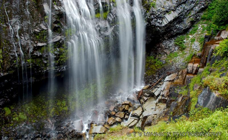 Base of Narada Falls